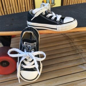 Converse All Star Canvas Low Top Sneakers Size 5